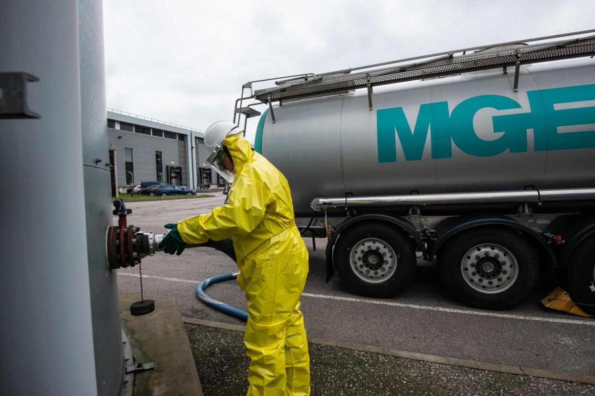 Dépotage citerne chimique MGE à Chavelot (88)